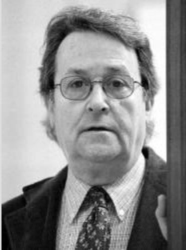 Mor el novel.lista i crític literari Robert Saladrigas
